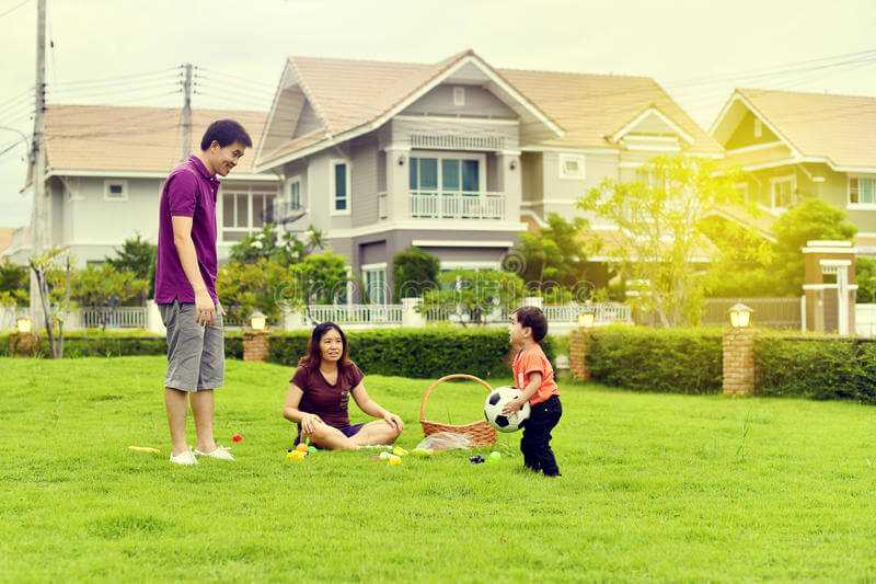 landscaping happy family